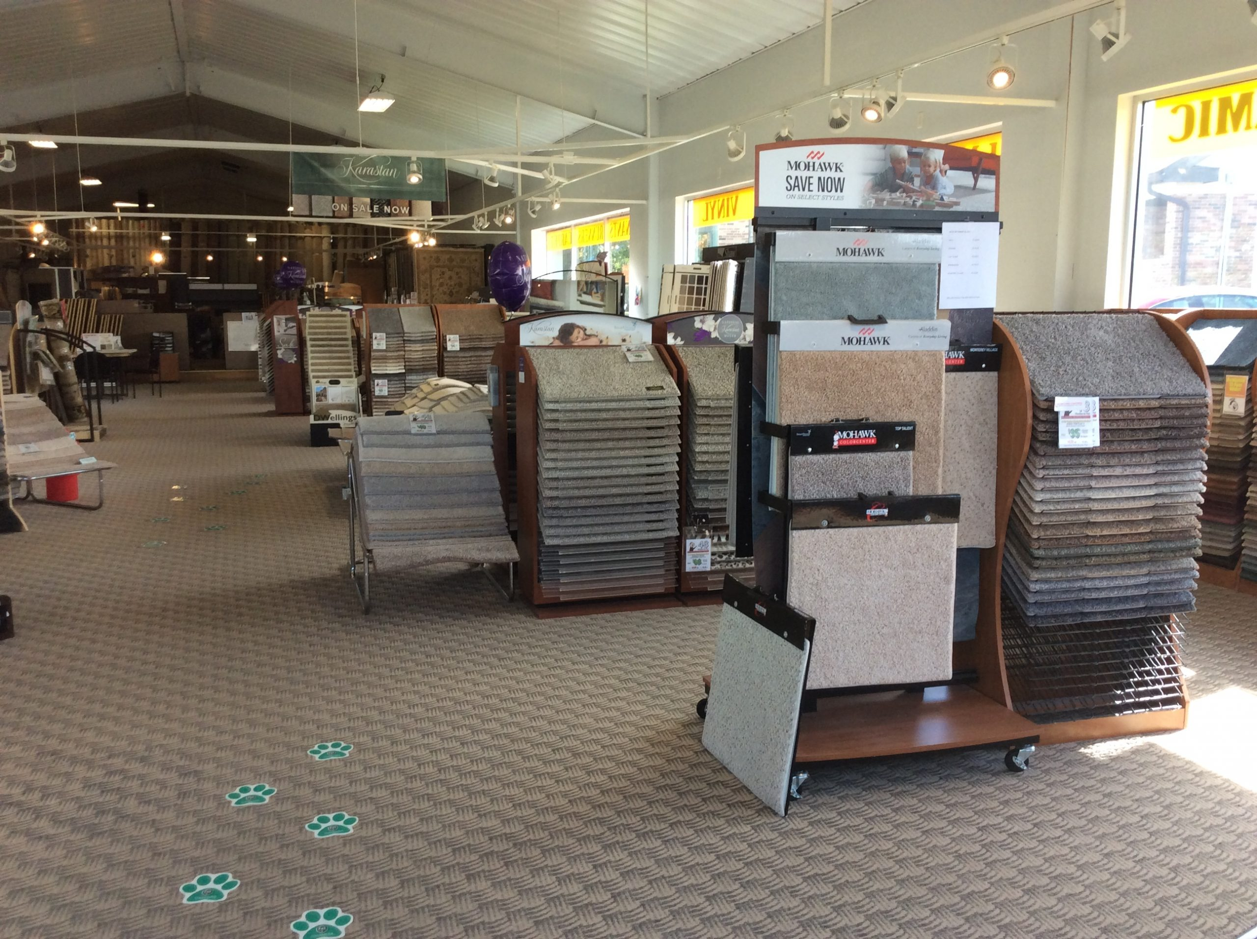 Showroom | Custom Carpet Centers