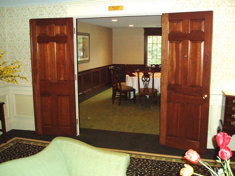 Room interior | Custom Carpet Centers